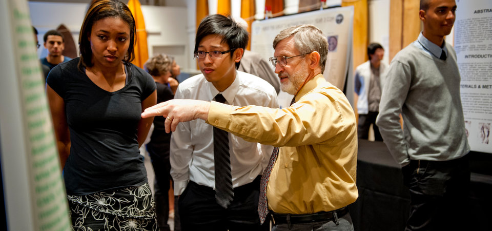 Pepperdine Faculty assisting students in their scientific endeavors